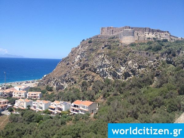 Το κάστρο του Μιλάτσο, στη Σικελία της Ιταλίας.