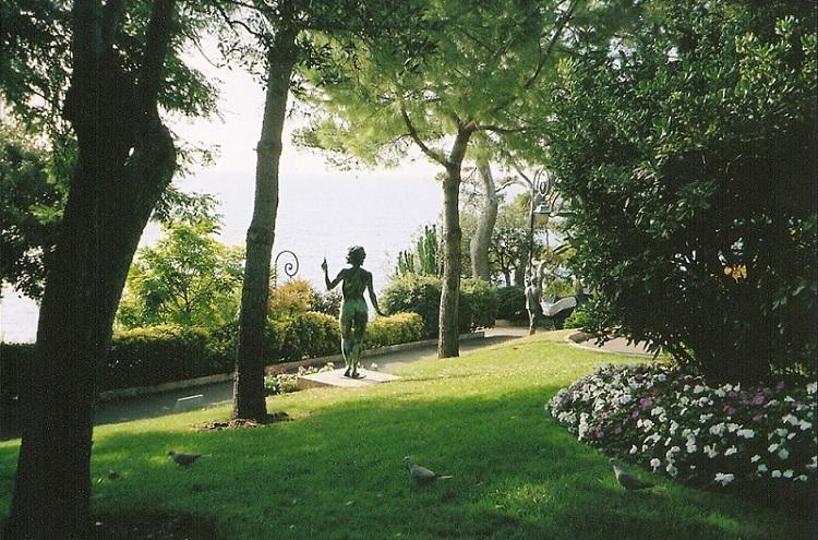 Οι κήποι του Αγίου Μαρτίνου - Les Jardins Saint-Martin.